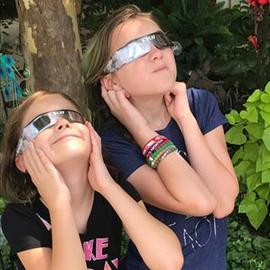 Ready for the Eclipse! Celestial Lip Glitter ✔️Solar Glasses ✔️#eclipse #lipglitter #ulta #letswatch 🌖🌗🌘🌚