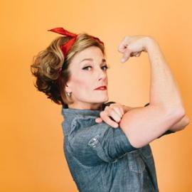 Happy Birthday to our #rosietheriveter #bosslady #badass #newlyengaged Caity!! We hope your day is as awesome as you are!!#glamshot #fitoneoldtown