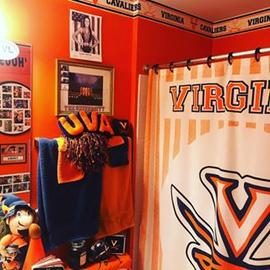 In honor of #uvabasketball just becoming the #1 team in the #country!! 🏀🏀#yesthisismybathroom #wahooforlife #gohoos #ncaabasketball #tonybennett #thisisyouryear